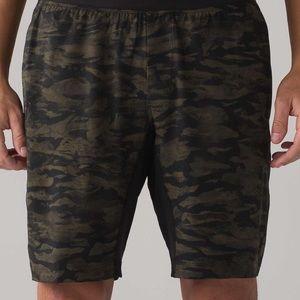 🍋 lululemon athletica Channel Camo Shorts